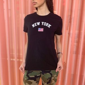 New York t-shirt with embroidered flag